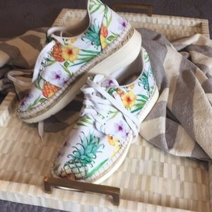 Free People tennis shoes (hl)